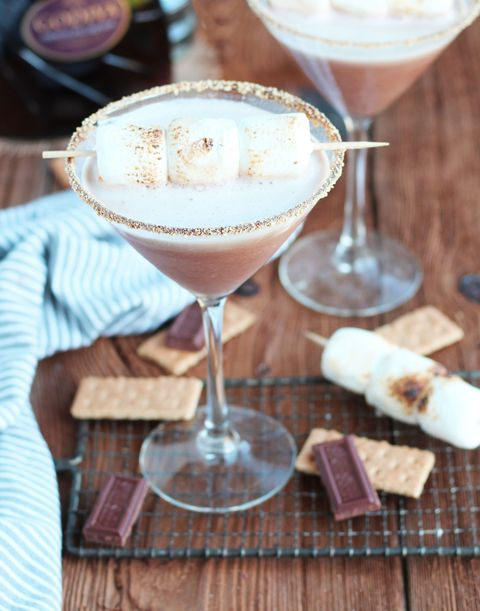 easy-3 ingredient cocktails Godiva Chocolate S'mores Martini