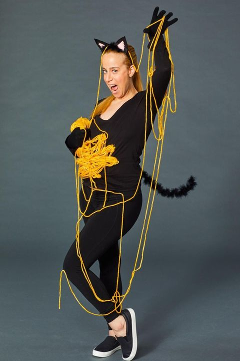 easy halloween costumes  cat with yarn ball