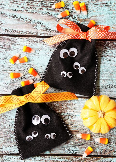 easy halloween crafts for kids googly eye halloween treat bag