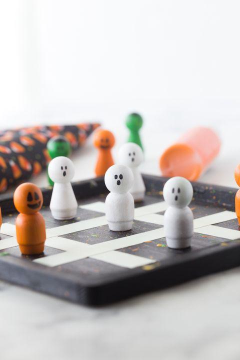 30 Easy Halloween Crafts For Kids Fun Diy Halloween Decorations