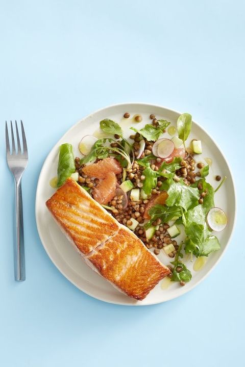 easy salmon recipes - salmon with lentils and grapefruit