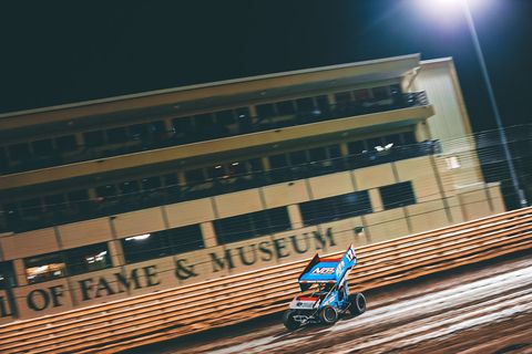 world of outlaws , knoxville raceway
