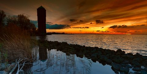 water en zonsondergang
