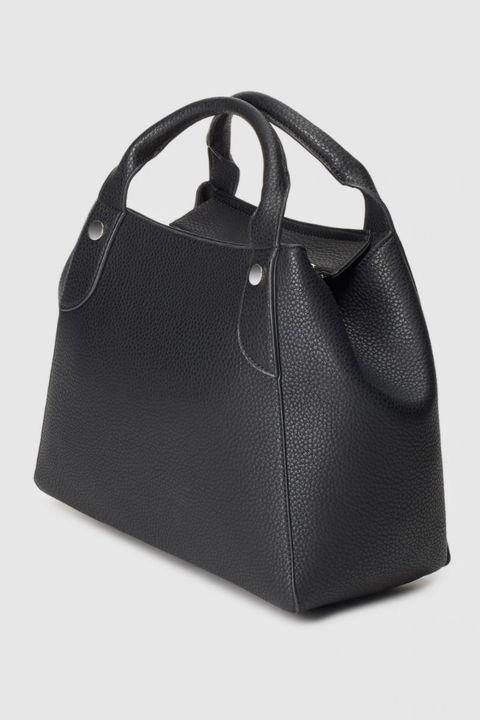 bolso negro con tachuelas de el corte inglés
