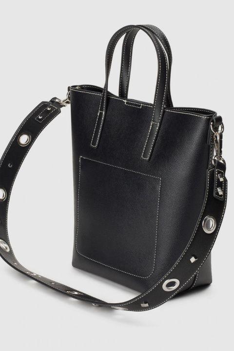 bolso negro con bolsillo interior de el corte ingles