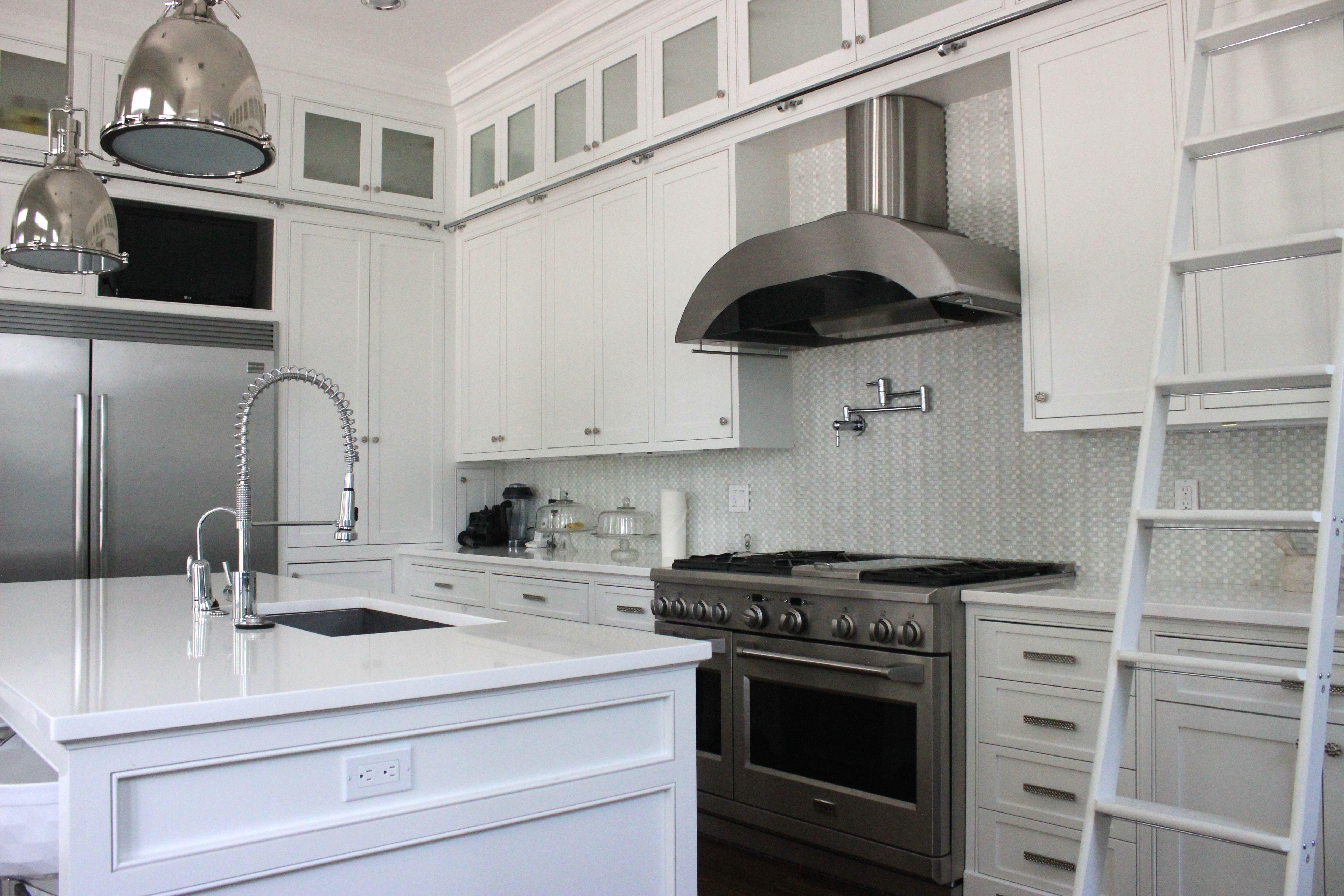 50 White Kitchen Cabinets To Brighten Up