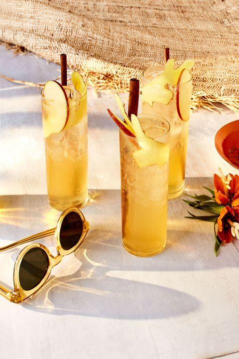 Yellow, Liquid, Drink, Fluid, Alcoholic beverage, Distilled beverage, Alcohol, Drinkware, Tableware, Liqueur,