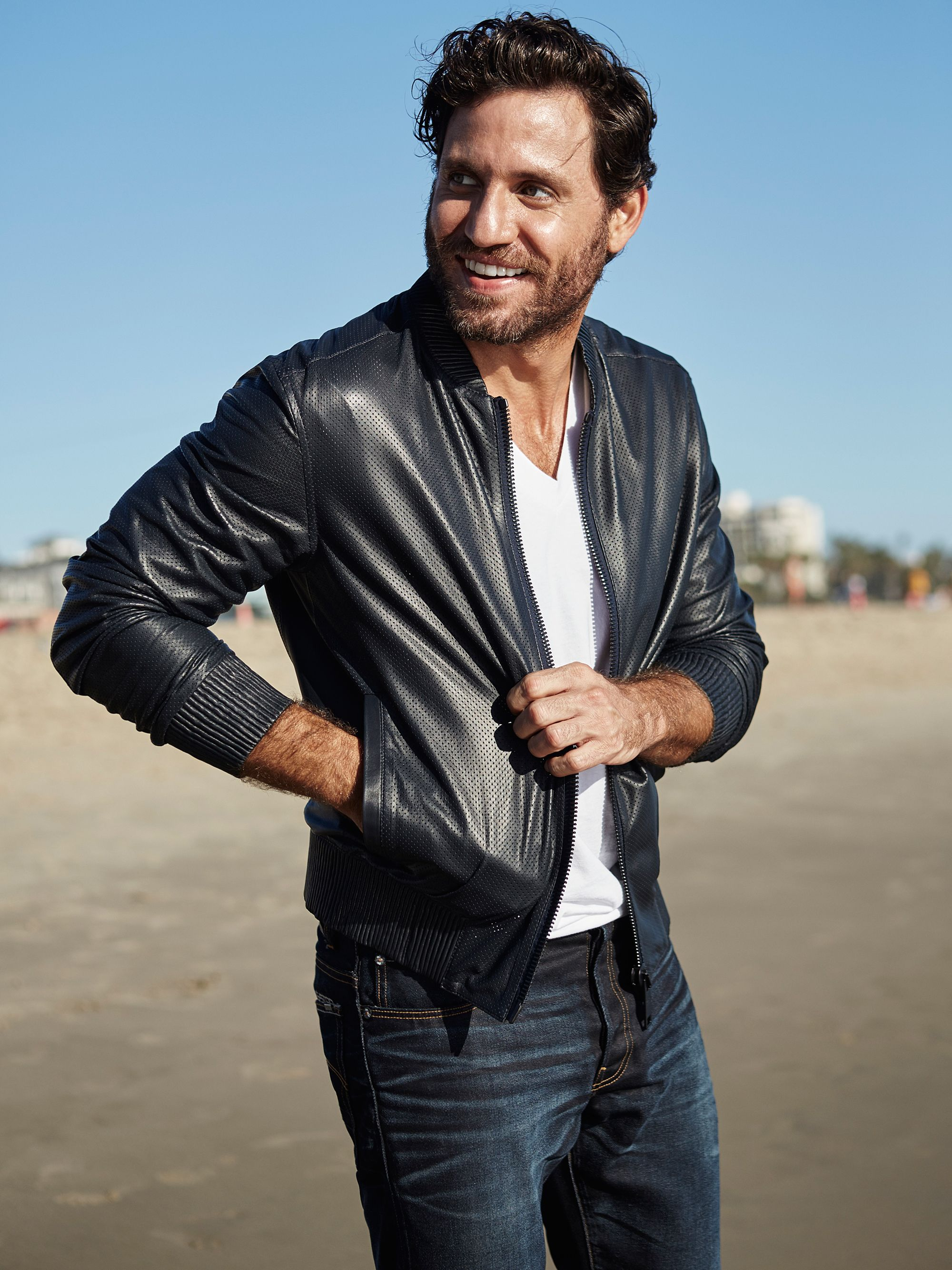 Is venezuelan actor edgar ramirez gay
