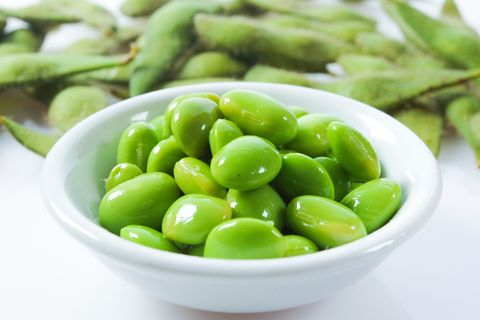 high protein foods and snacks: Edamame Beans