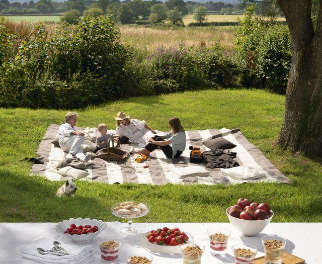 john pawson country house picnic