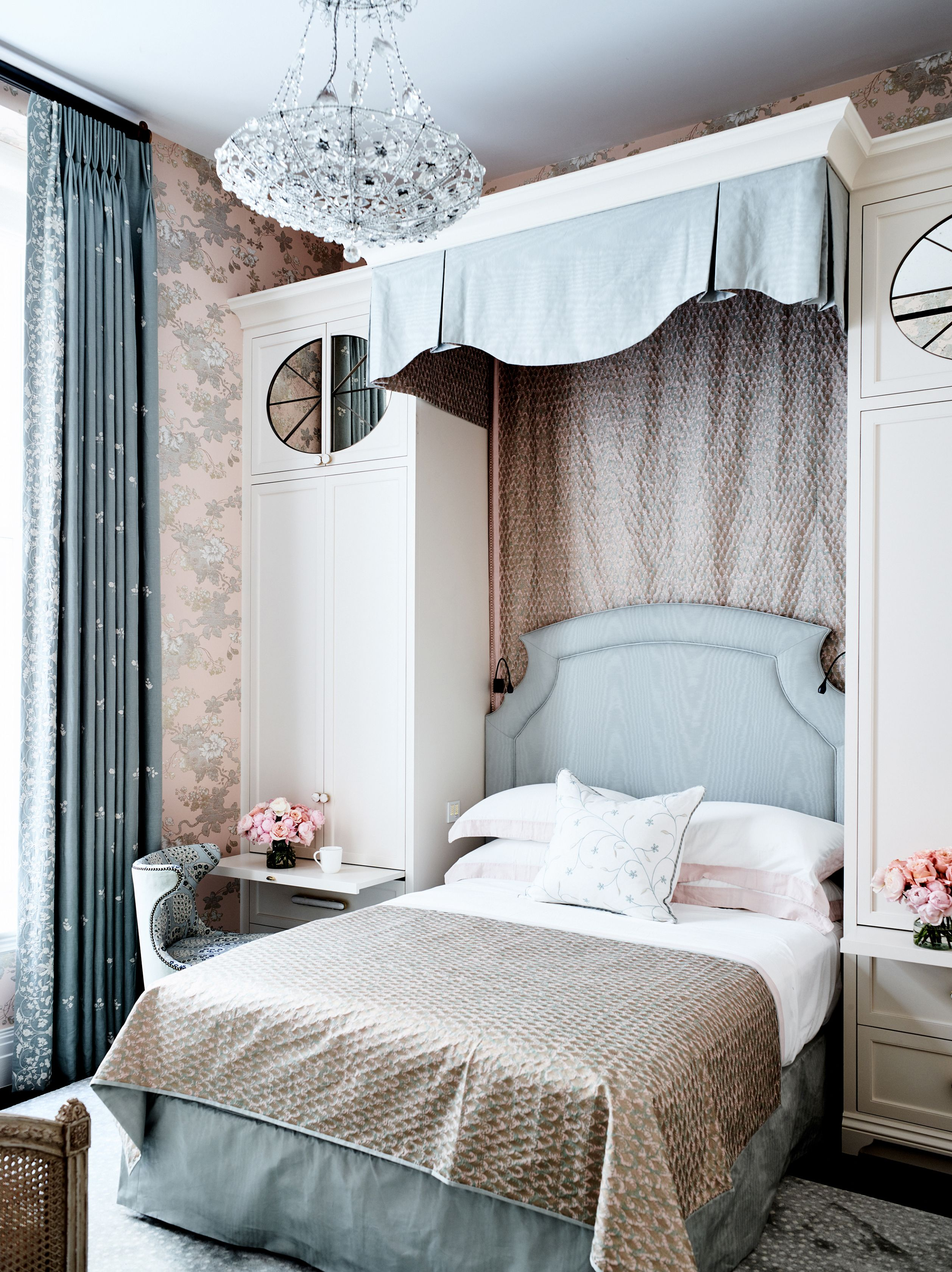 72 Small Bedroom Decor Ideas Decorating Tips For Small Bedrooms