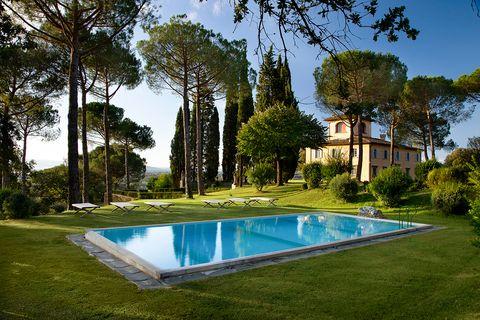 tuscan villa outside of florence