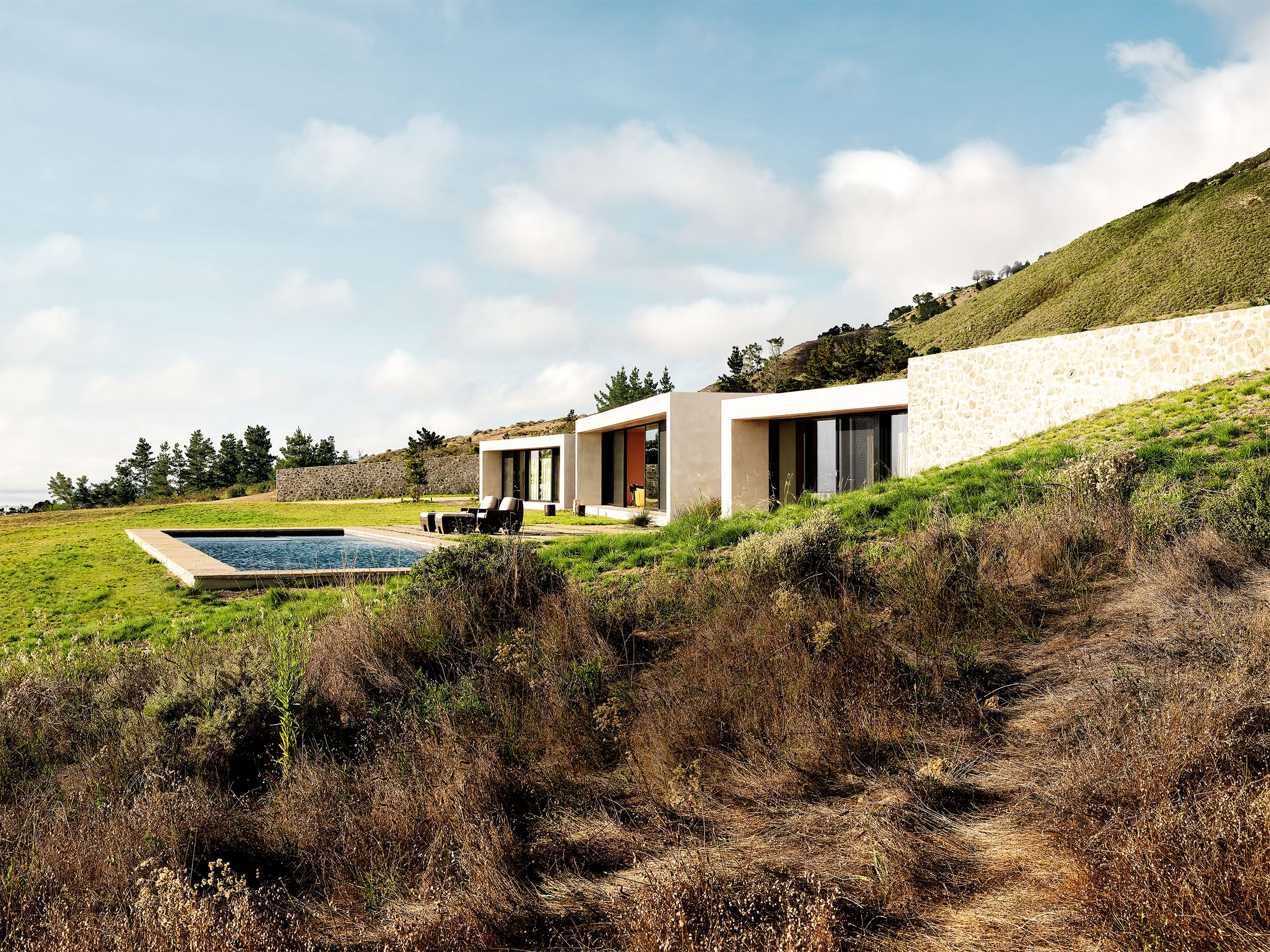 A Net-Zero Home That's Easy on the Environment—and the Eyes