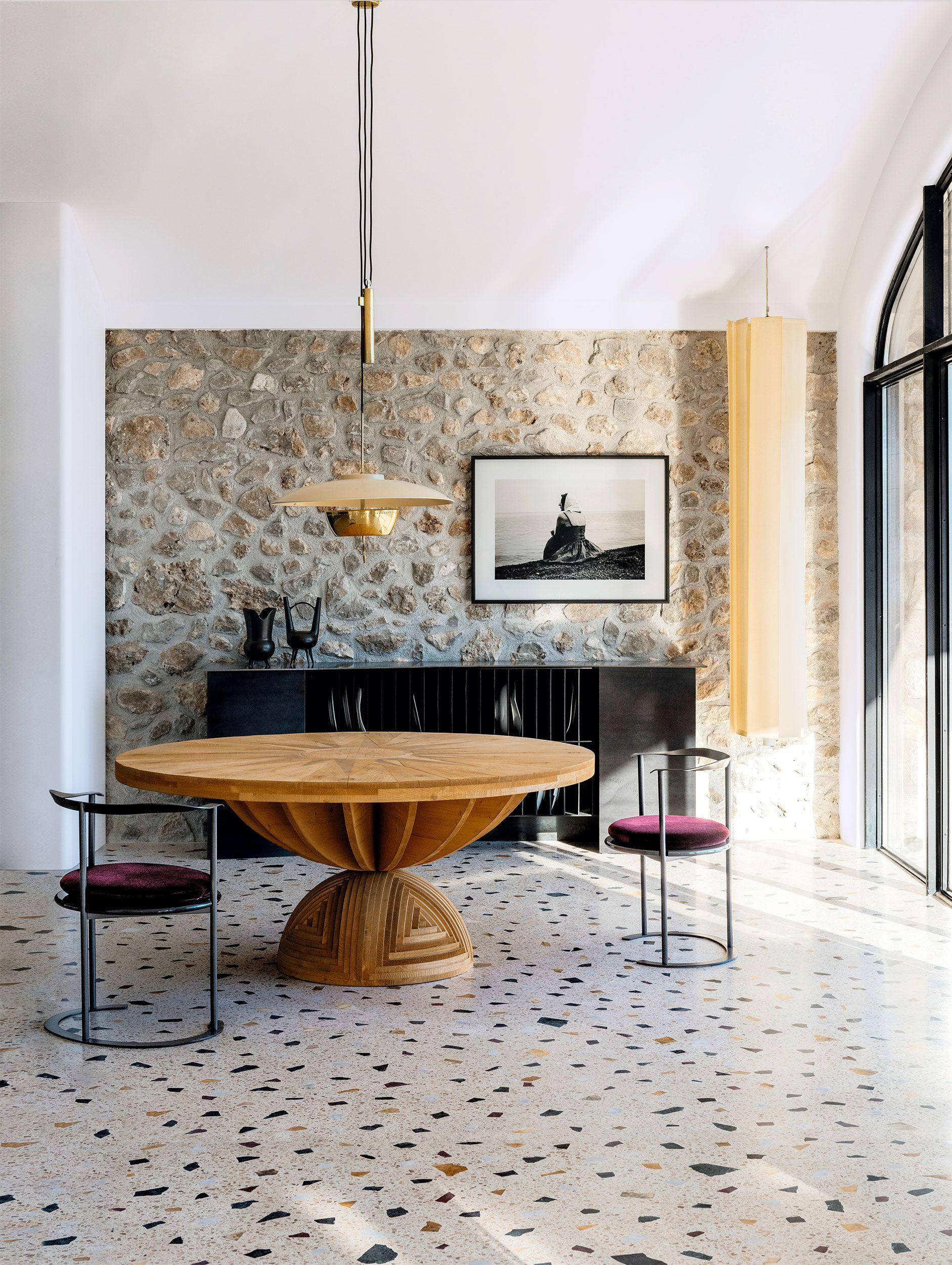 The Perfect Backdrop for an Aperitivo? This Restored Stone Villa on Capri