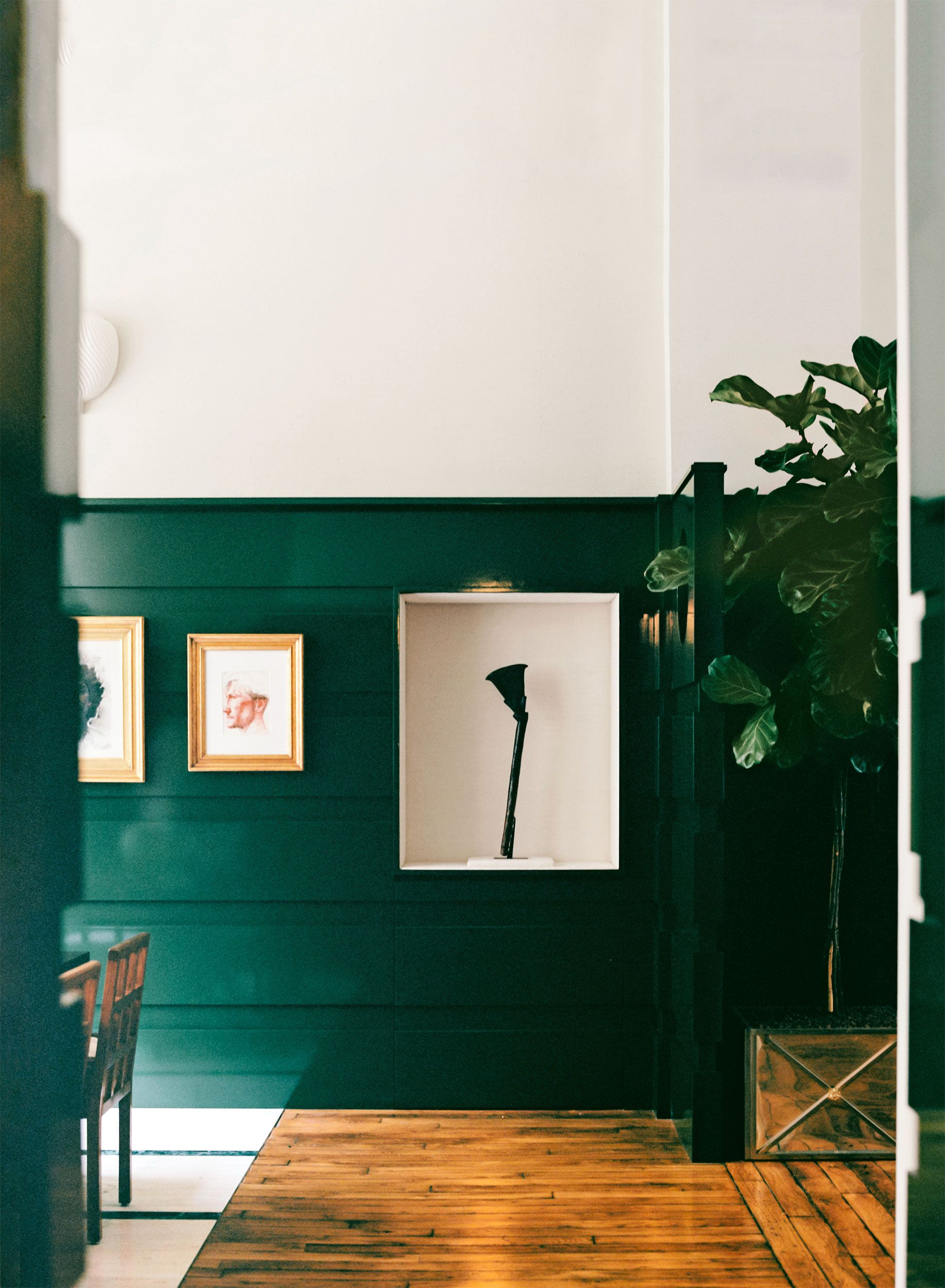 Green Lacquer Completely Douses This Über-Chic Parisian Loft