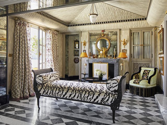 3217b9dbdbc A Look Inside a Breathtaking Maximalist Home In Seville - See The ...