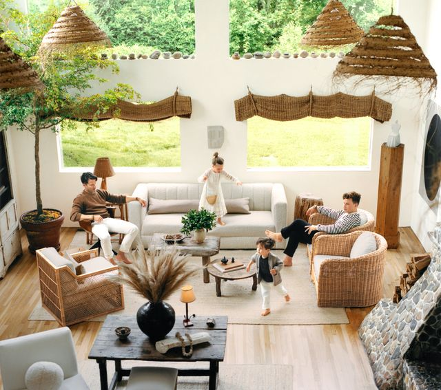 nate berkus and jeremiah brent with kids in living room