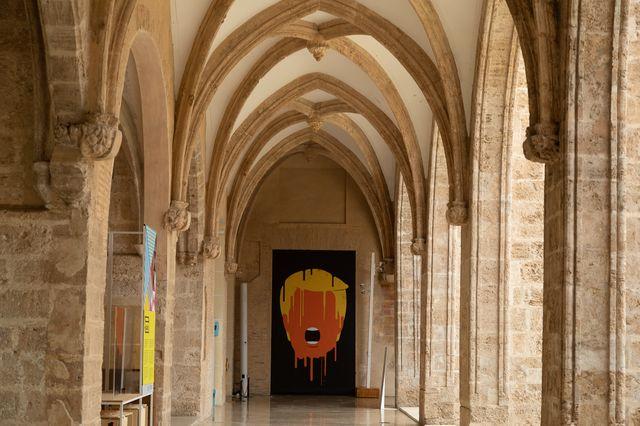 agente naranja exposición con las ilustraciones de trump del artista edel rodríguez