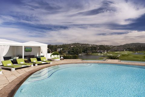 Property, Swimming pool, Real estate, Home, House, Estate, Resort, Building, Residential area, Architecture,
