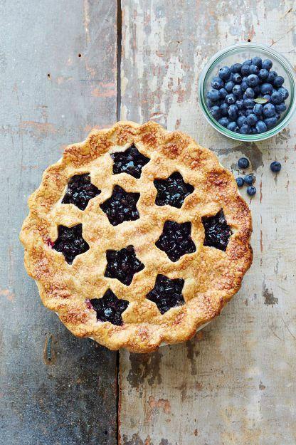 Dish, Food, Cuisine, Blackberry pie, Dessert, Ingredient, Baked goods, Blackberry, Berry, Pie,