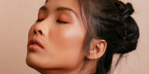 5 Best Foundations for Acne-Prone Skin - Foundation Makeup That Fight Acne
