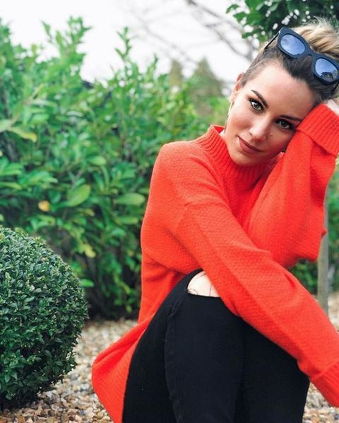 Clothing, Beauty, Skin, Fashion, Outerwear, Photography, Shoulder, Photo shoot, Neck, Grass,