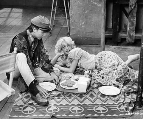 edward albert and goldie hawn in 'butterflies are free'