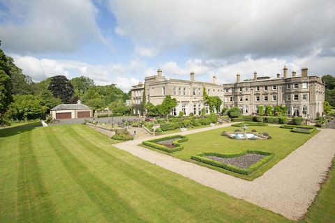 Estate, Property, Building, Grass, Lawn, Garden, House, Mansion, Architecture, Manor house,