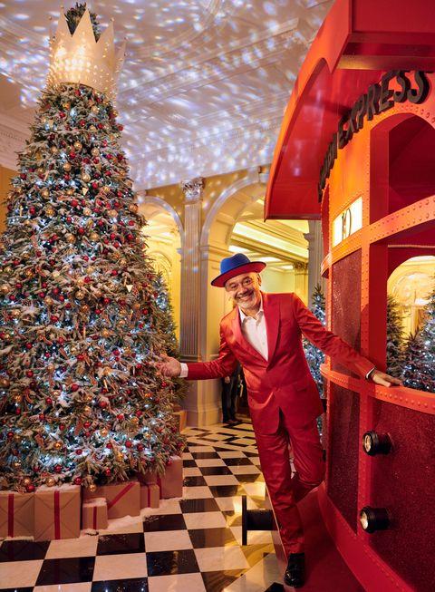 Red, Christmas tree, Christmas, Christmas decoration, Architecture, Tree, Temple, Interior design, Interior design, Christmas eve,