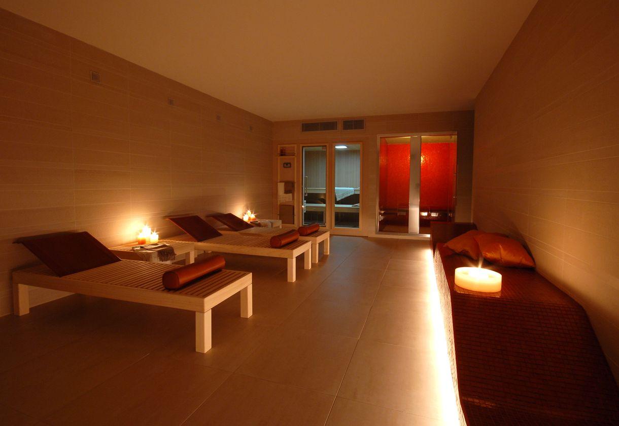 Interno del turco sauna e bagno turco classico u foto stock