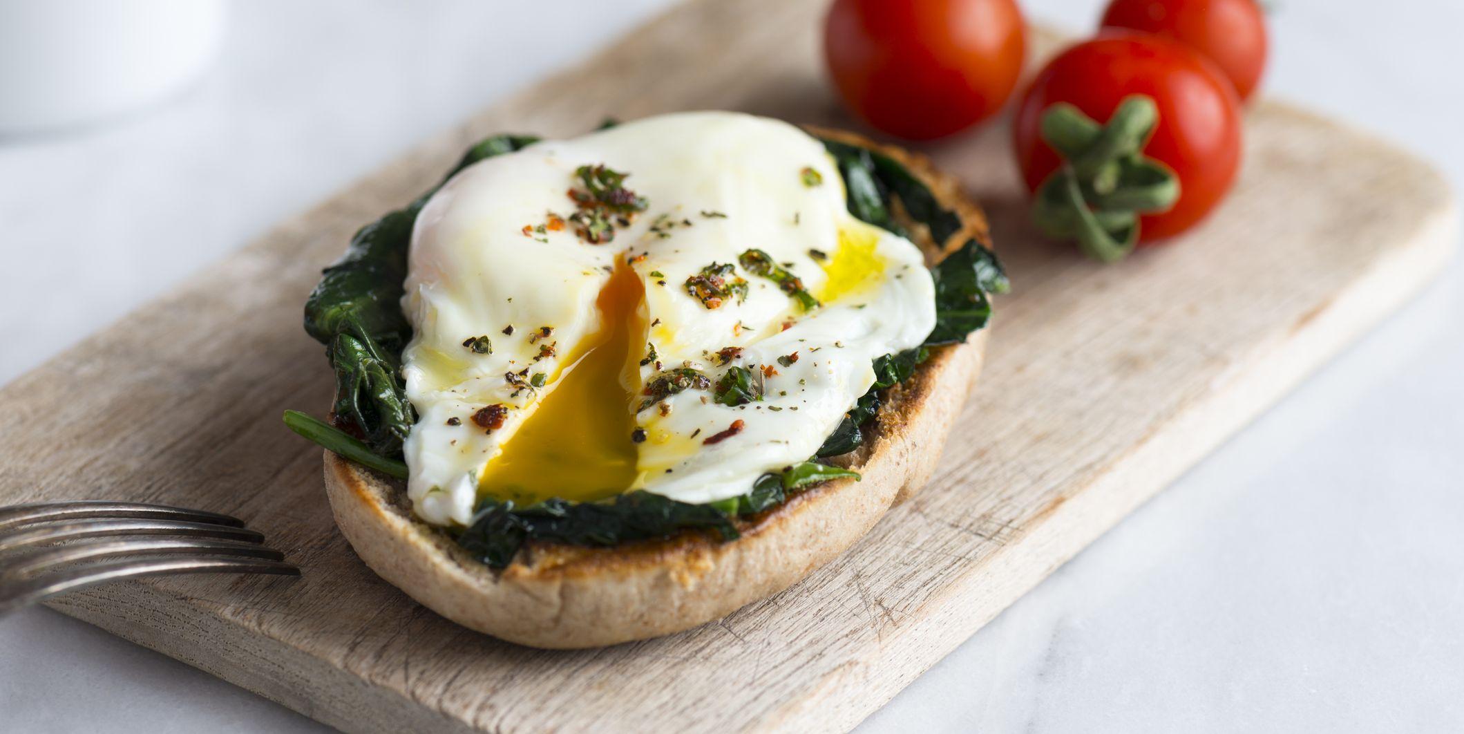 Eggs Benedict toast