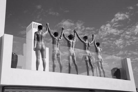 英國華威大學划船隊「2021全裸月曆」