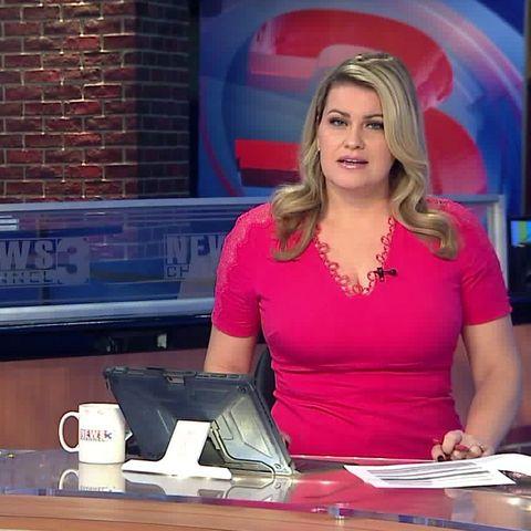Newsreader, Newscaster, Blond, Television presenter, Television program, Media,