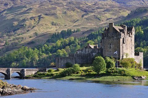 eilean donan castle   the most beautiful castle in scotland