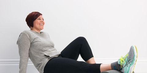 Human leg, Shoe, Joint, Sitting, Style, Knee, Thigh, Comfort, Active pants, Athletic shoe,