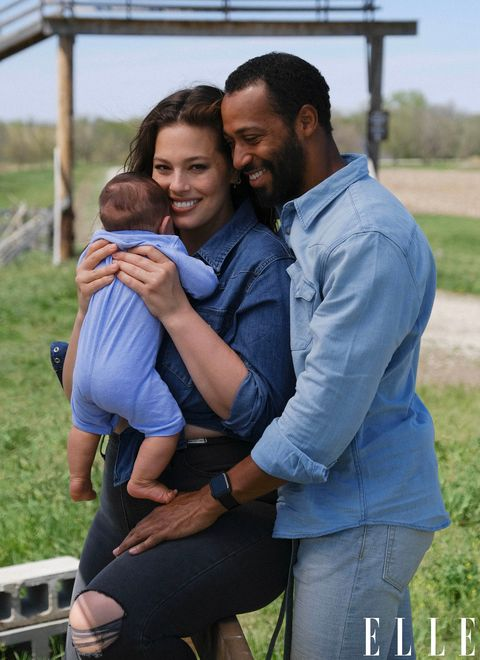 ashley graham with her husband justin ervin and son isaac