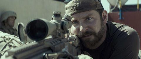 bradley cooper en el francotirador, de clint eastwood