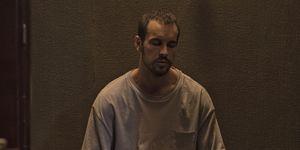 Mario Casas es el protagonista de 'El practicante' de Netflix