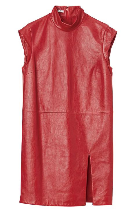 Clothing, Red, Pink, Outerwear, Sleeve, Sportswear, Textile, Sleeveless shirt, T-shirt,