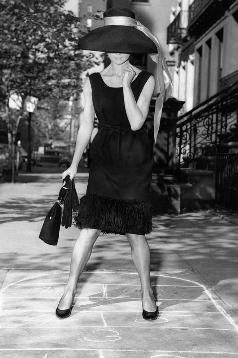 Photograph, Black, White, Black-and-white, Snapshot, Little black dress, Monochrome, Fashion, Monochrome photography, Standing,