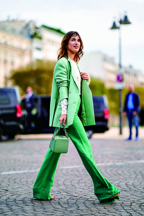Green, Street fashion, Clothing, Fashion, Pink, Yellow, Outerwear, Jeans, Footwear, Coat,