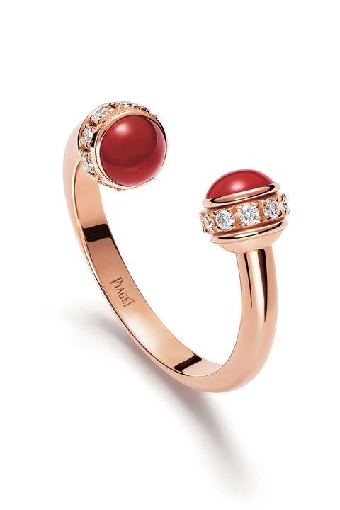 Jewellery, Fashion accessory, Ring, Gemstone, Body jewelry, Ruby, Engagement ring, Pre-engagement ring, Crystal, Wedding ring,