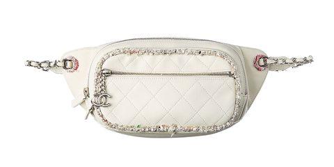 Bag, Shoulder bag, Handbag, Fashion accessory, Coin purse, Beige, Chain, Silver, Wristlet, Metal,