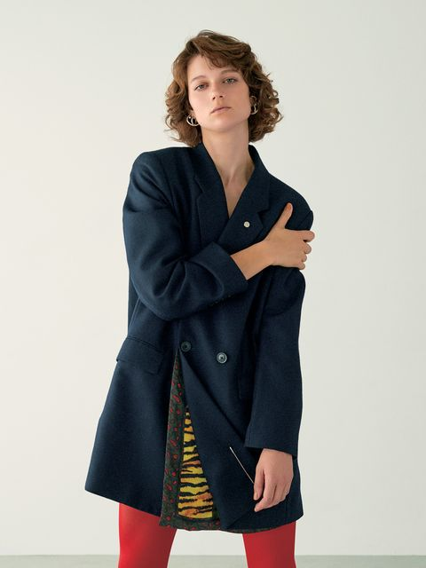 Clothing, Coat, Overcoat, Fashion model, Outerwear, Duster, Shoulder, Fashion, Standing, Sleeve,