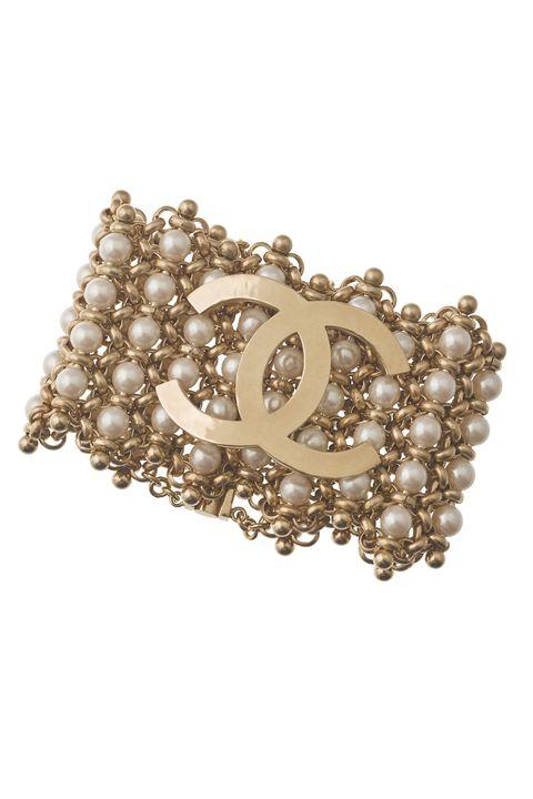 Jewellery, Fashion accessory, Pearl, Brooch, Gemstone, Body jewelry, Bangle, Bracelet, Diamond, Headpiece,
