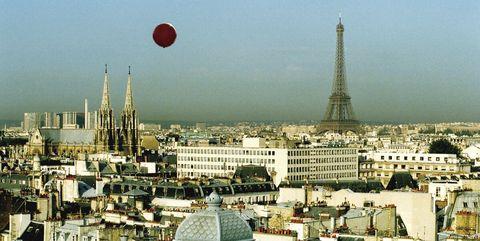 Urban area, City, Roof, Metropolitan area, Balloon, Town, Landmark, Tower, Residential area, Cityscape,