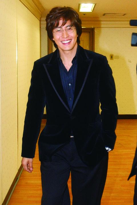 ぺ・ヨンジュンbae yong joon, nov 20, 2004  actor bae yong joon 20041120