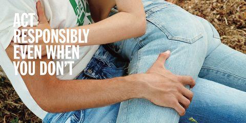 Human, Finger, Denim, Sleeve, Jeans, Joint, Human leg, Comfort, Mammal, People in nature,