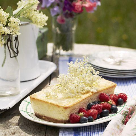 Elderflower and lemon cheesecake - Summer dinner party ideas