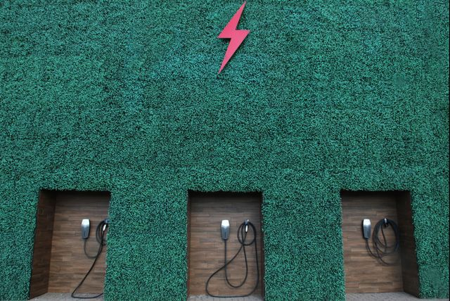 electric vehicle charging station in toronto